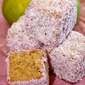 Guava Ystervarkies (Lamingtons)