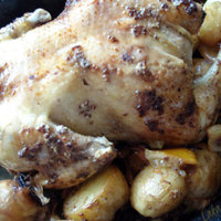 Roasted chicken with vegetable gravy