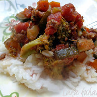 Vegetables and minced meat casserole