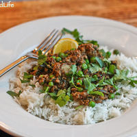 Kheema (Indian Ground Mushroom-Beef Curry) with Kale and Peas: Ode to the Mushroom and a #Giveaway #sponsored