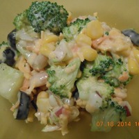 Yummy Broccoli Ranch Salad