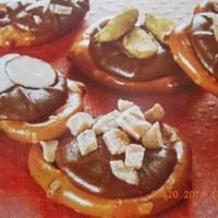 Chocolate Pretzel Cookie Treats