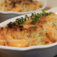 5-Minute Macaroni and Cheese with Tomatoes and a Panko Herb crust (Pressure Cooker Style)