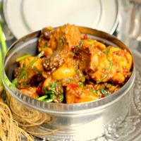 Spicy Chicken With Raisins