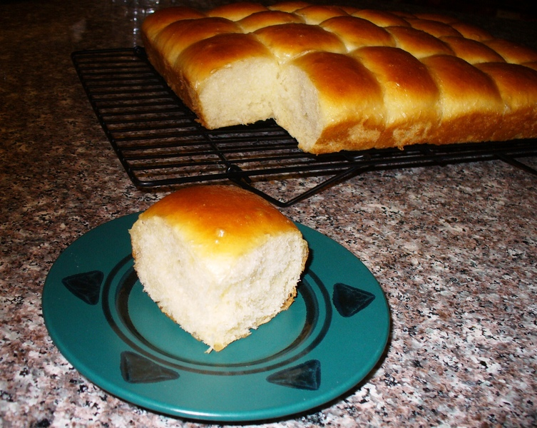 Overnight Refrigerator Yeast Rolls Recipe by Lynne - CookEatShare
