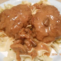 Salisbury Steak with Horseradish Mushroom Gravy
