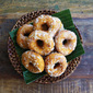 How To Make Kuih Keria (Sweet Potato Doughnuts)