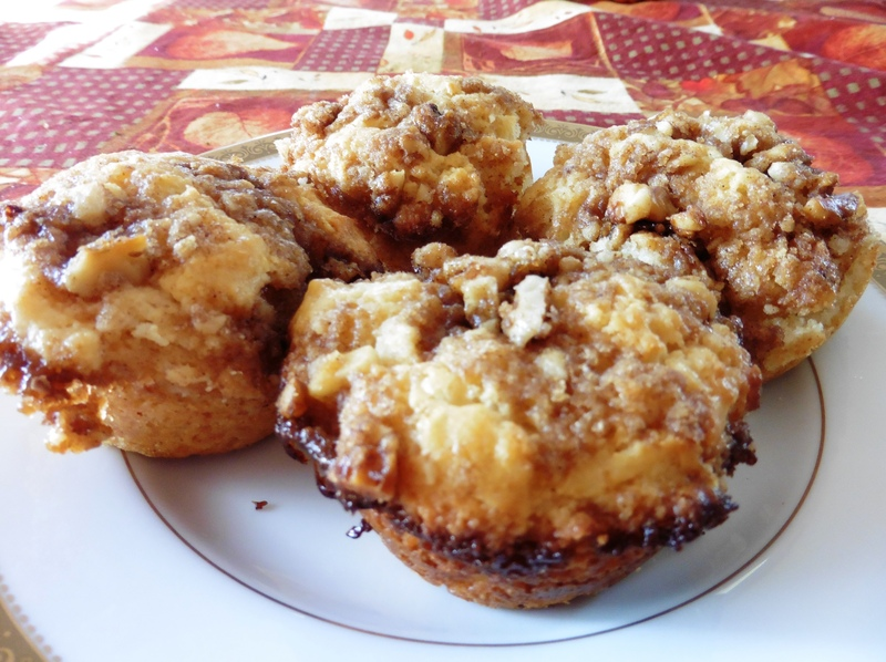 Sour Cream Streusel Muffins Recipe by Lynne - CookEatShare