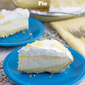 No-Bake Lemon Cheesecake Pudding Pie
