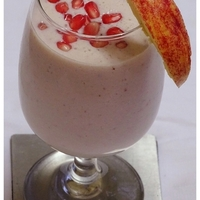 Apple and Pomegranate smoothie