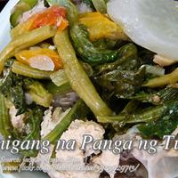 Sinigang na Panga ng Tuna (Tuna Jaw in Sour Broth)