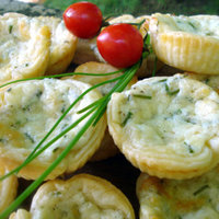 Puff pastry cheese and chives baskets