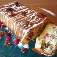 CHRISTMAS CRANBERRY LOAF CAKE