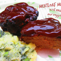 Meatloaf muffins with BBQ sauce and veggie mash