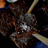 Wholewheat chocolate, banana, nut and seed slice – egg free