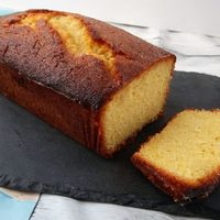 'Coombe Mill' Lemon Drizzle Cake