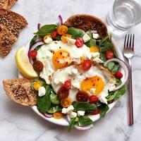 greek-inspired spinach breakfast salad