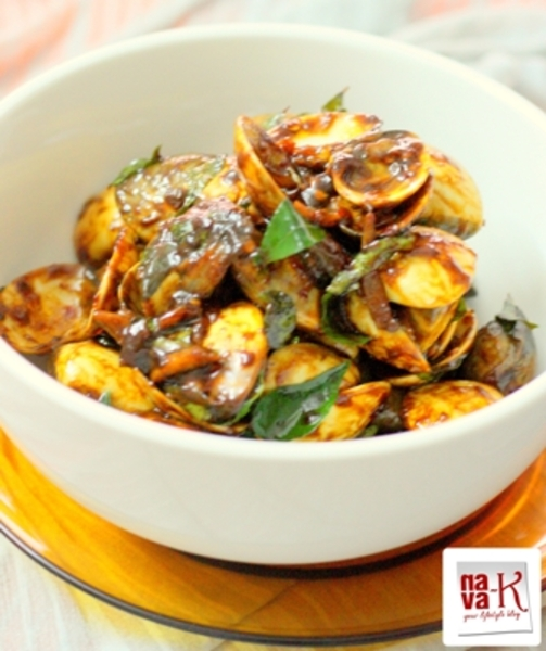Curry Leaves And Chili Lala (Clams)