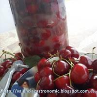 Make your own Italian cherry wine (visciolato)