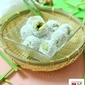 Ondeh Ondeh (Glutinous balls filled with palm sugar)