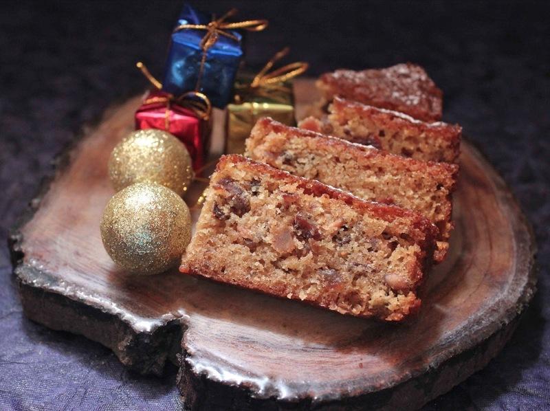 Traditional Christmas Fruit & Rum Cake