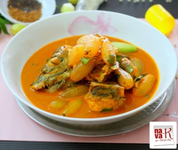 Kari Kepala Ikan Bersama Belimbing Buluh (Fish Head Curry)