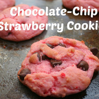 Chocolate-Chip Strawberry Cookies {Recipe Roundup #3}