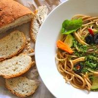 Spaghetti Alio e Olio ..... (Spaghetti with Garlic & Oil)