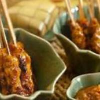 Chicken Saté Skewers With Spicy Peanut Sauce
