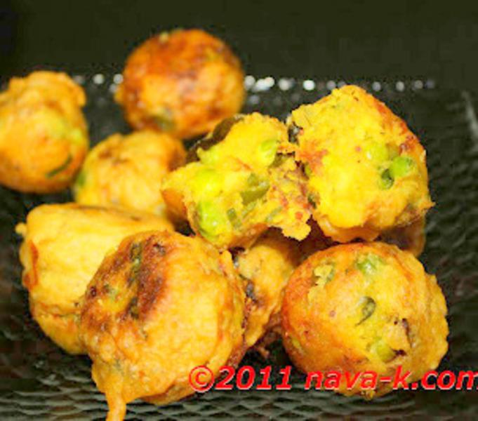 Bonda (Fried Savoury Potato Balls)