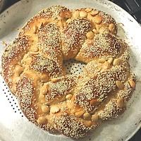 Sweet Bread Wreath - Vanilla Swiss Almond