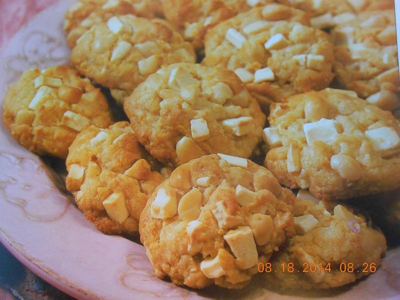 Tropical Macadamia Coconut Chunk Cookies
