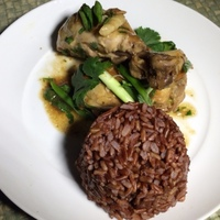 Slow-cooked Ginger Chicken With Red Rice
