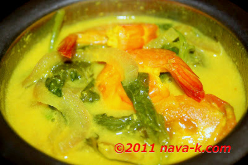 Prawn And Spinach Sodhi (Coconut Gravy)