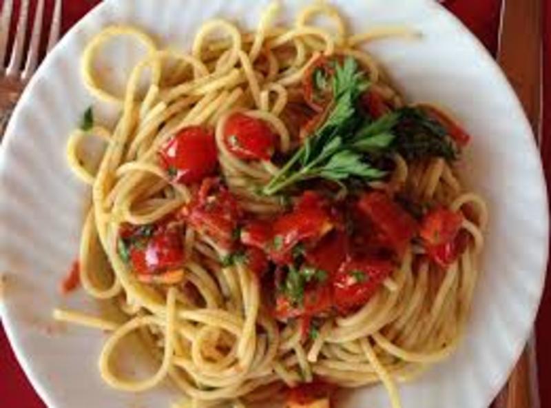 Olive oil, Garlic, and Tomato Pasta