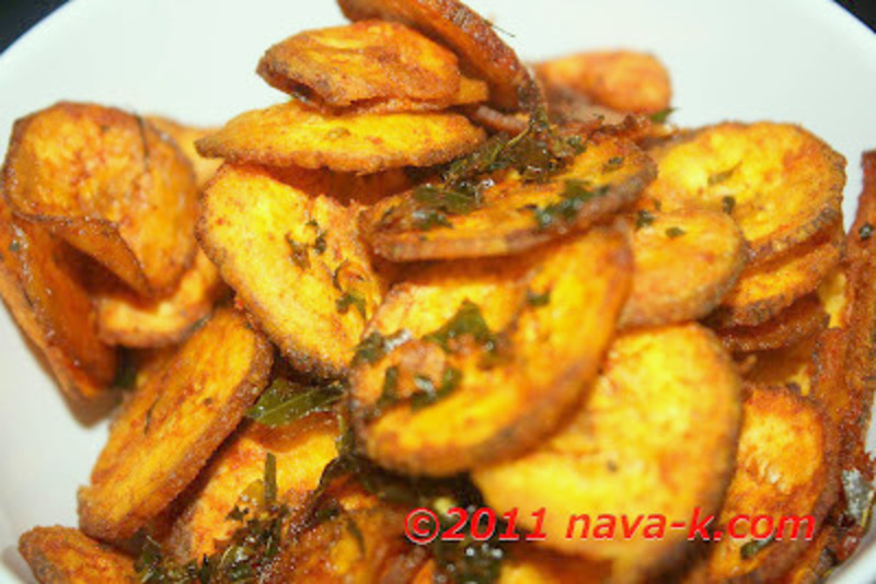 Curry leaves Valakkai Poriyal (Plantain Chips)