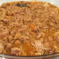 Crockpot Spanish Chicken and Chickpea soup