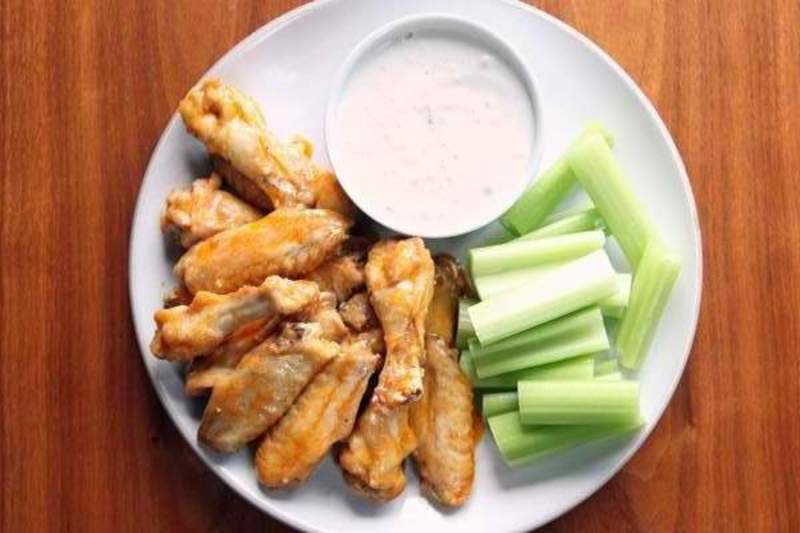 Buffalo Chicken Wings With Chunky Gorgonzola Cheese Dip