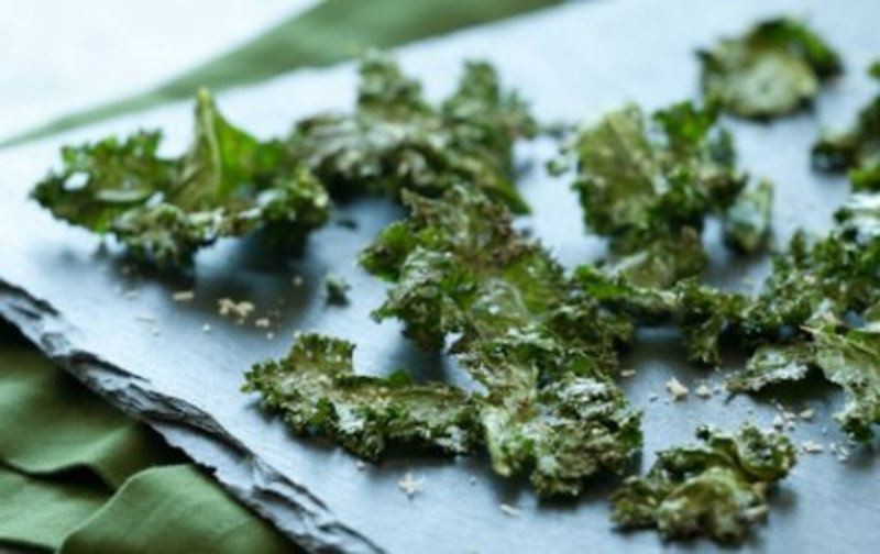 ROASTED KALE CHIPS WITH PARMIGIANO REGGIANO SP3