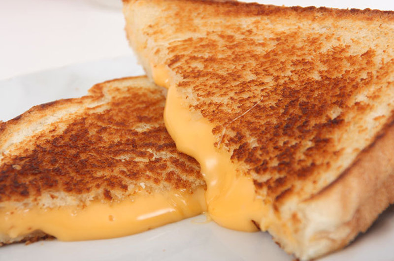 Easy Breezy Grilled Cheese Sandwich
