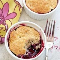 Blueberry peach cobbler cups