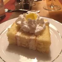 Adam's Italian Lemon Cream Cake