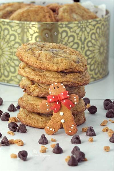 Chewy Gingerbread Chocolate Chip Cookies for Santa