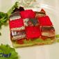 Mosaico di sarde con avocado