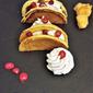 pancakes con spuma di pollo e melagrana