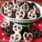CHRISTMAS PRETZELS – 3 Ingredients