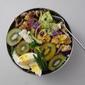 Tempeh, Broccoli, Cabbage, Avocado & Kiwi Salad 印尼豆豉蔬菜主食沙拉