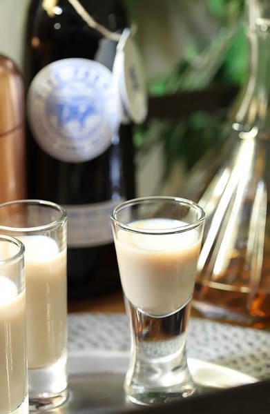 The Irish Toast – Irish Cream with Irish Whiskey Cocktail