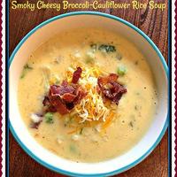 The Weekend Gourmet's Most Popular 2018 Recipe: Smoky Cheesy Broccoli-Cauliflower Rice Soup #bestof2018 #soup #cheesy #bacon