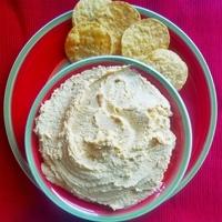 Four Ingredient Garlic Lemon Hummus
